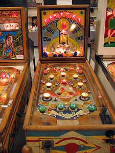 Stage Door Canteen Early Pinball